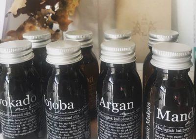 Köp oljor och produkter på Arheden Hälsa.